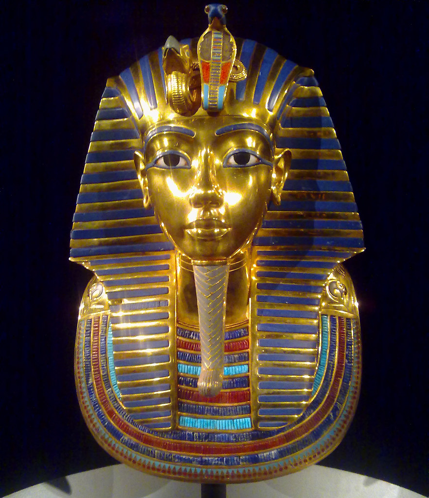 tutankhamun gold mask Watch video a british egyptologist has found new evidence suggesting the death mask of ancient egyptian king tutankhamun was not made for him – in fact, it was made for his stepmother, queen nefertiti egyptologist nicholas reeves told egyptian news service ahram online the famous gold death mask of.