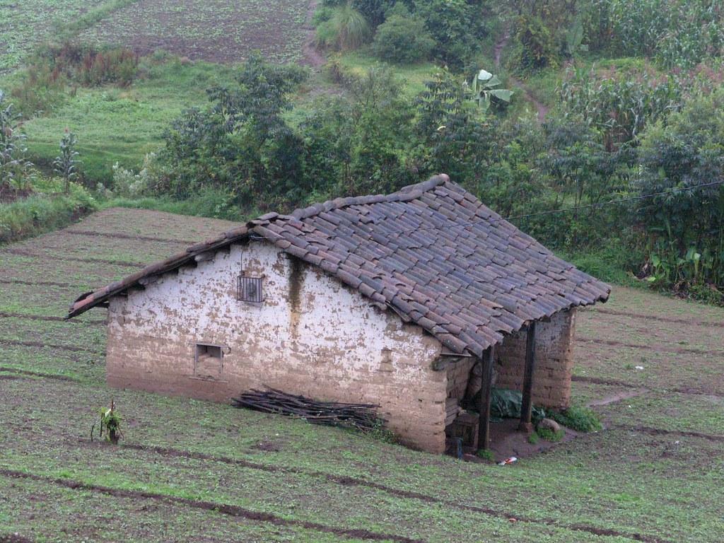 House casa entre los encuentros y chichicastenango qui for Casas modernas guatemala