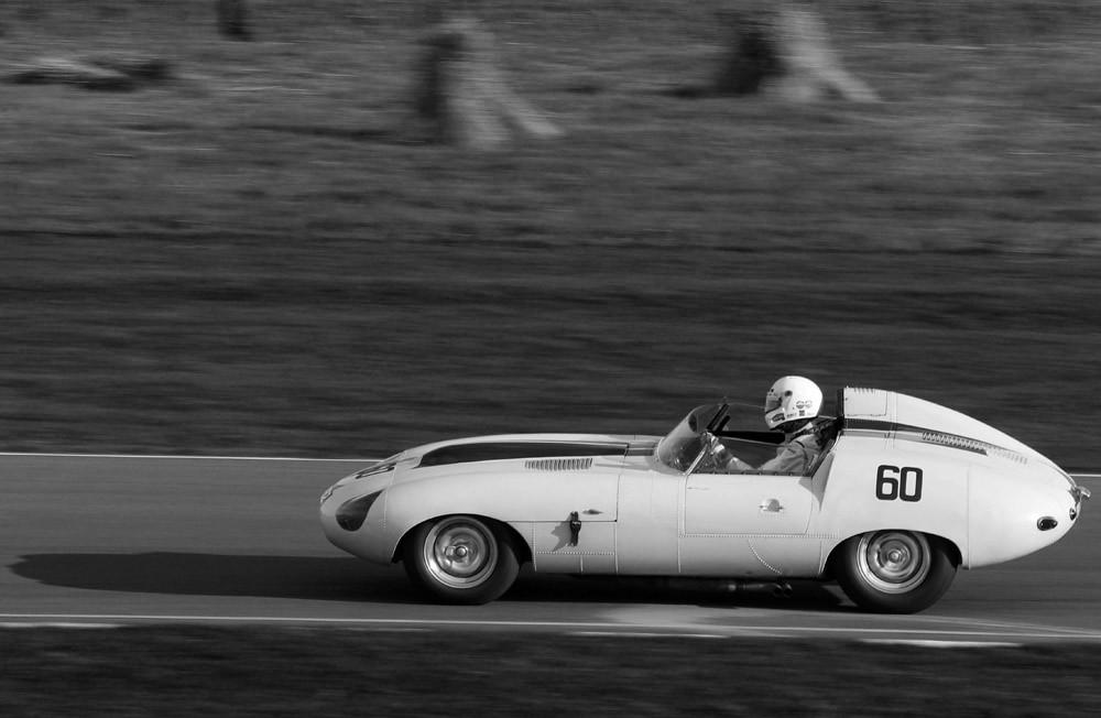 1960 Jaguar E2A | 1960 Jaguar E2A racing in the Sussex Troph… | Flickr