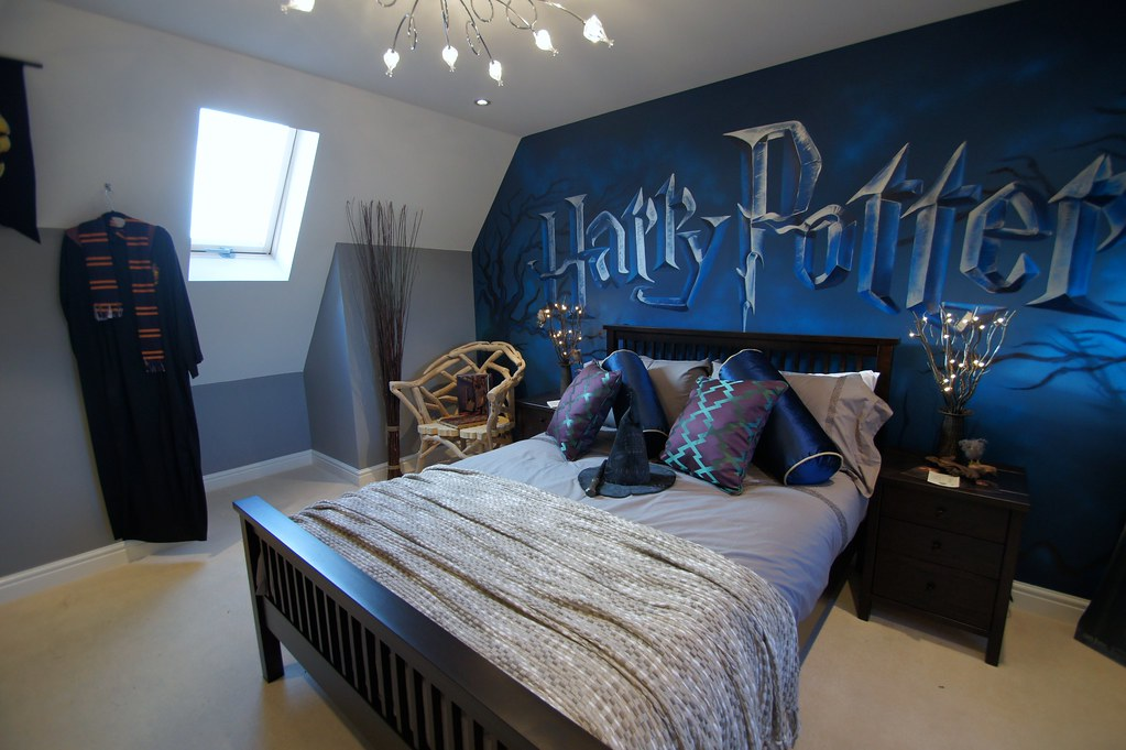 Harry potter mural room children 39 s mural room based on for Chambre harry potter