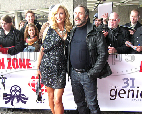 Shannon tweed is for chemistry - 4 6