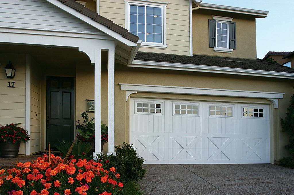 Bayside garage doors bayside garage door services for Garage door repair tampa