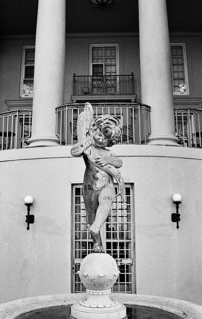 Gwinn Statue Amp Fountain The Gwinn Estate In Bratenahl