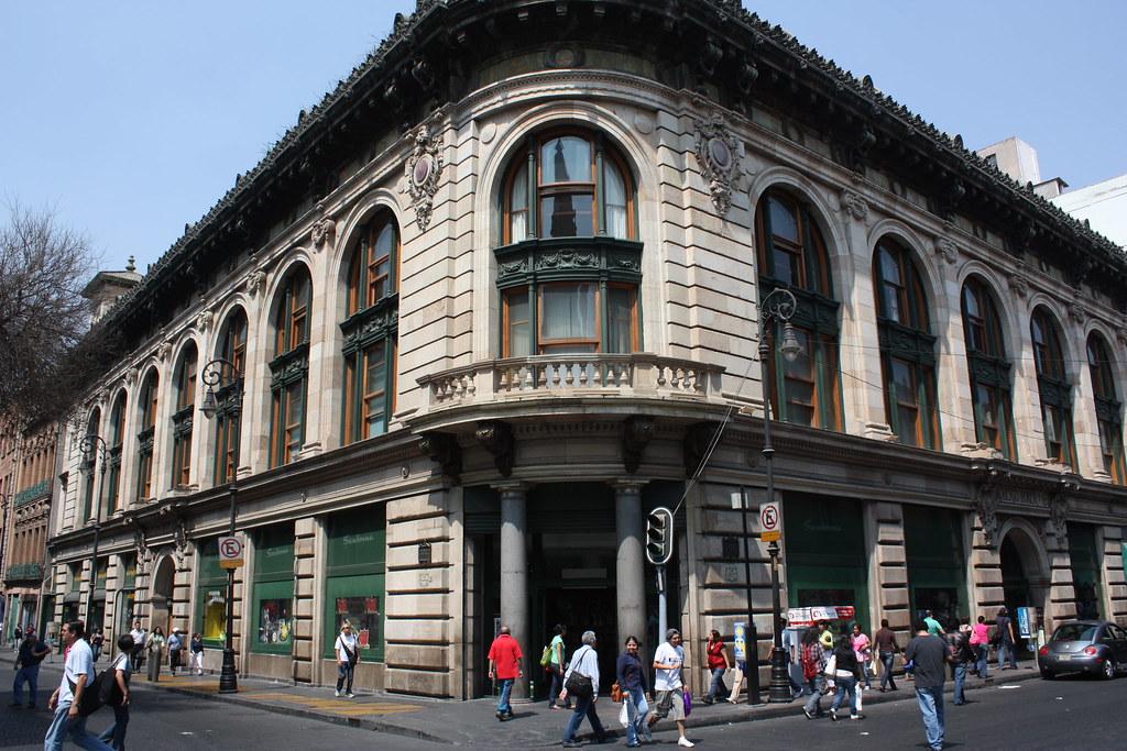 Edificio casa boker centro hist rico ciudad de m xico for Casa de los azulejos centro historico