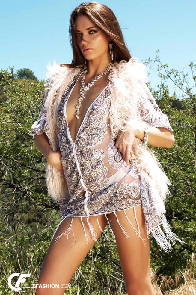 Latest Blouse Designs: Celebrity Blouse Designs