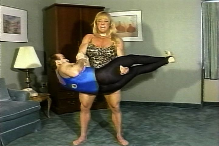 Good filme muscle women fetish che