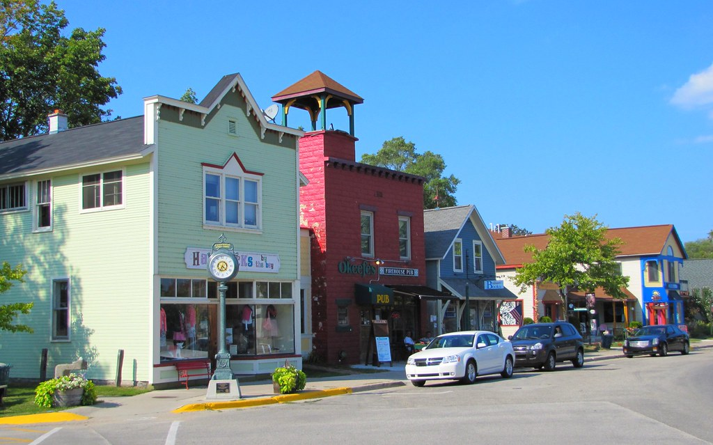 Downtown Suttons Bay Suttons Bay Is A Picturesque Little