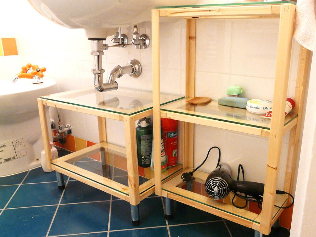i nuovi mobiletti del bagno  fatti a mano dal papi in legno…  Flickr