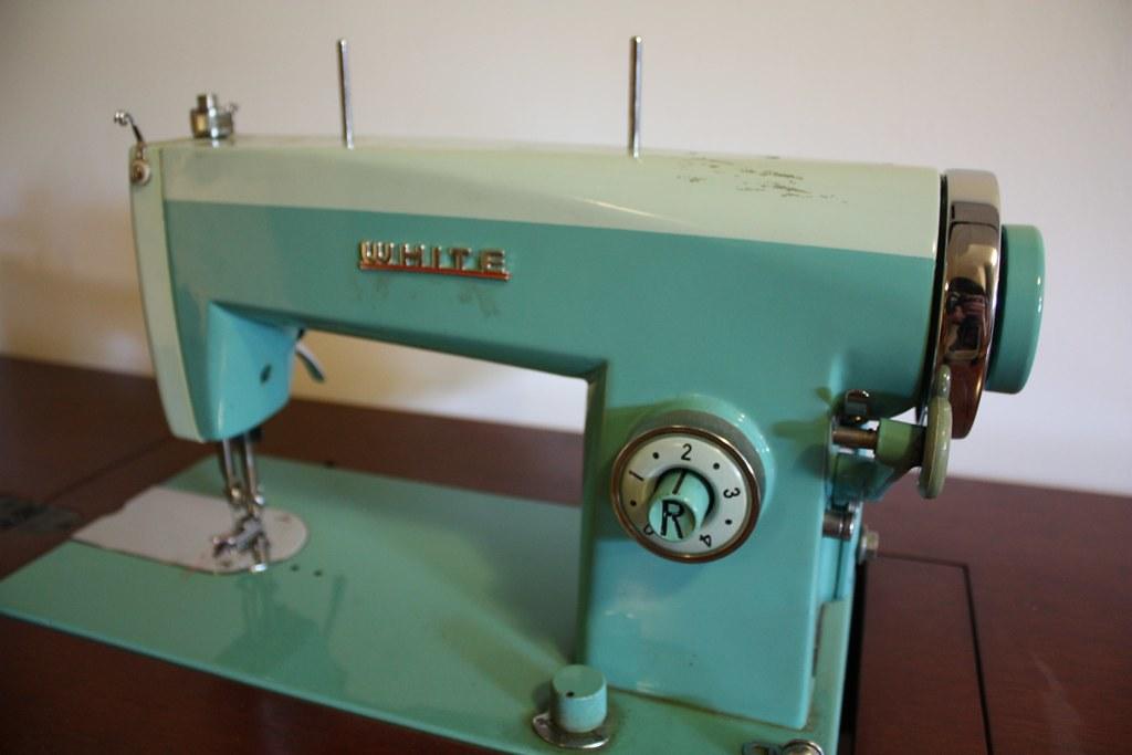 white vintage sewing machine