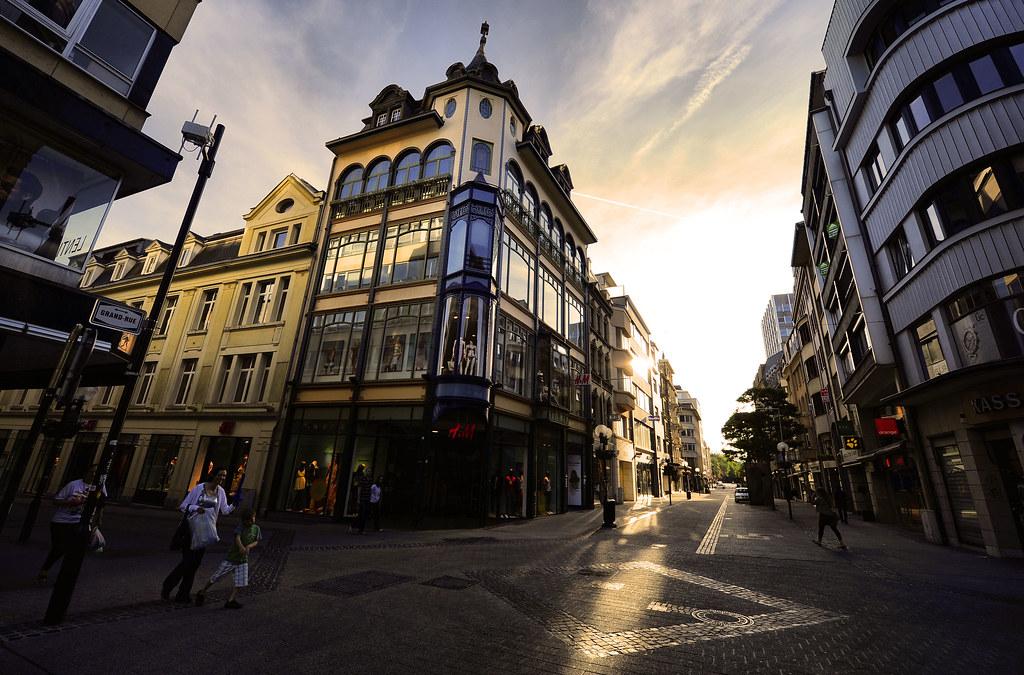 Grand rue and rue phillippe ii ville de luxembourg flickr for Piscine de luxembourg