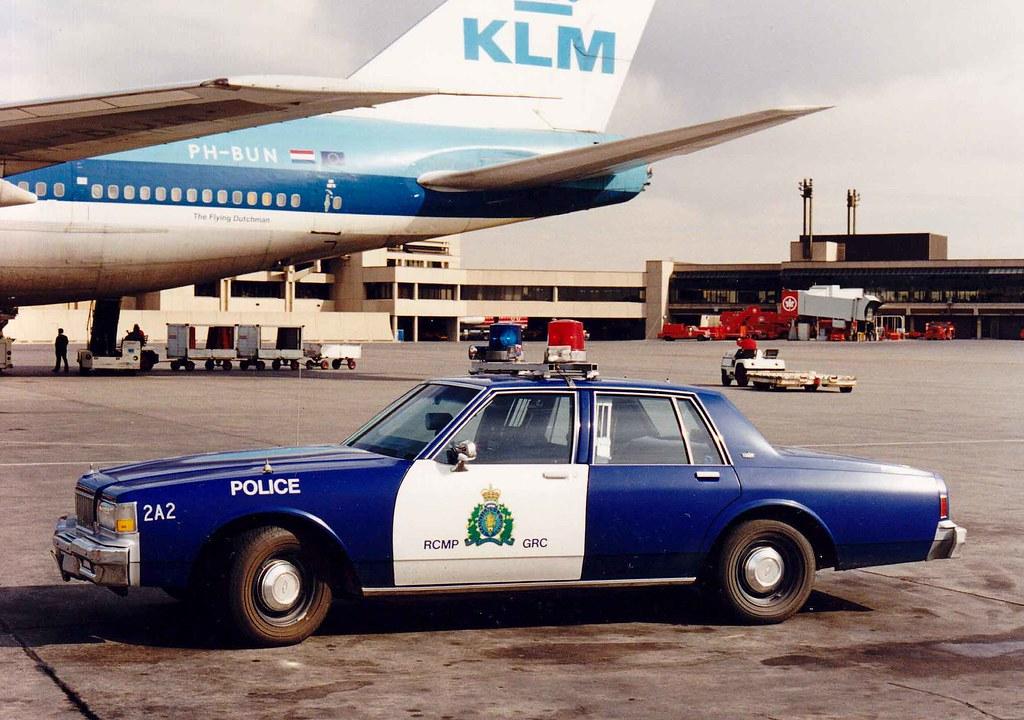 Rcmp Chevrolet Klm 747 Calgary Airport Calgary