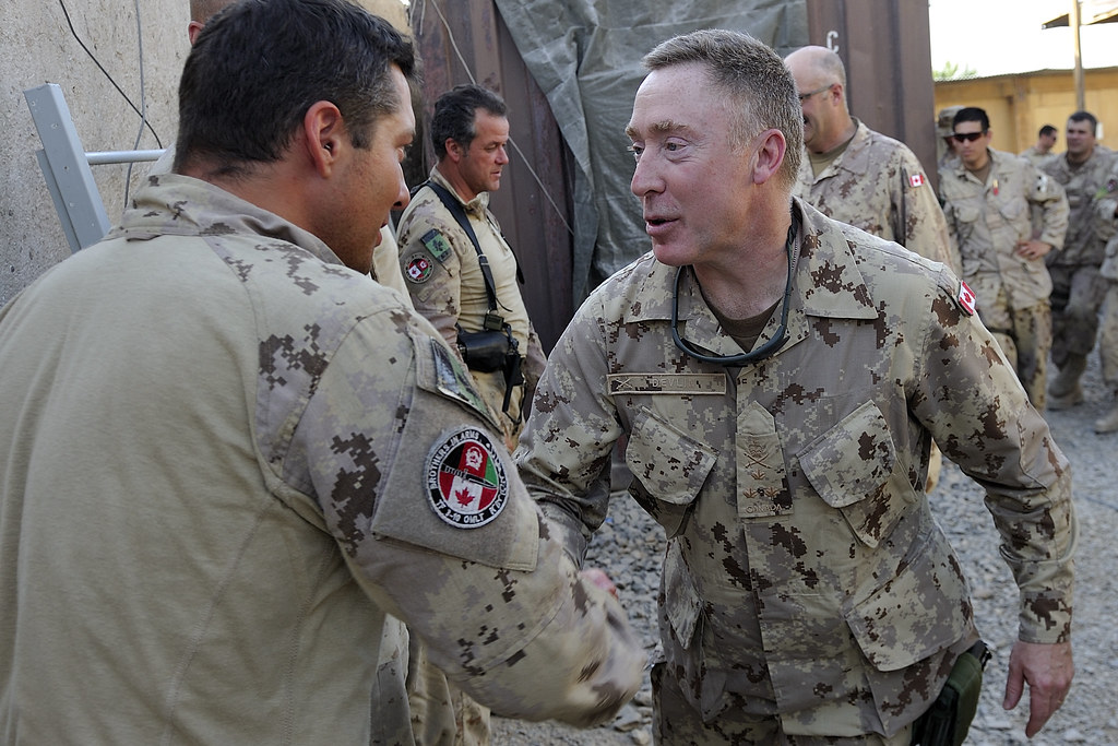 Lieutenant general peter devlin gets feedback from the tro flickr - Chief operating officer traduction ...