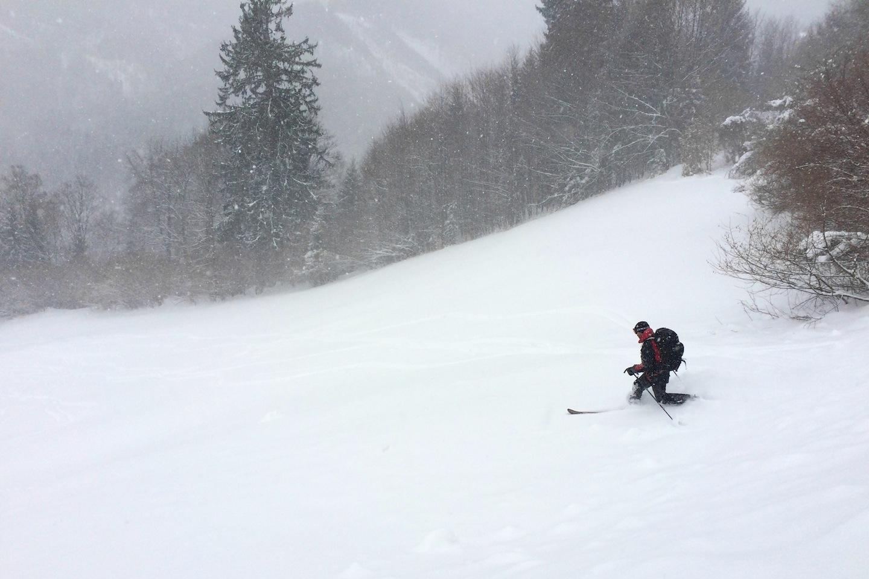 Na poslední louce sněžení polevuje
