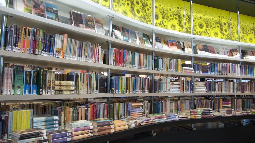 Almere eigentijdse boekenkasten heuvellandbibliotheken flickr - Eigentijdse boekenkasten ...