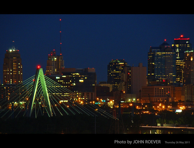 Bond bridge kc skyline at dusk 26 may 2011 flickr photo sharing for Indeed garden city ks