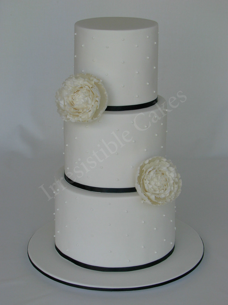 wedding cake height average peony wedding cake a wedding cake with three 22810