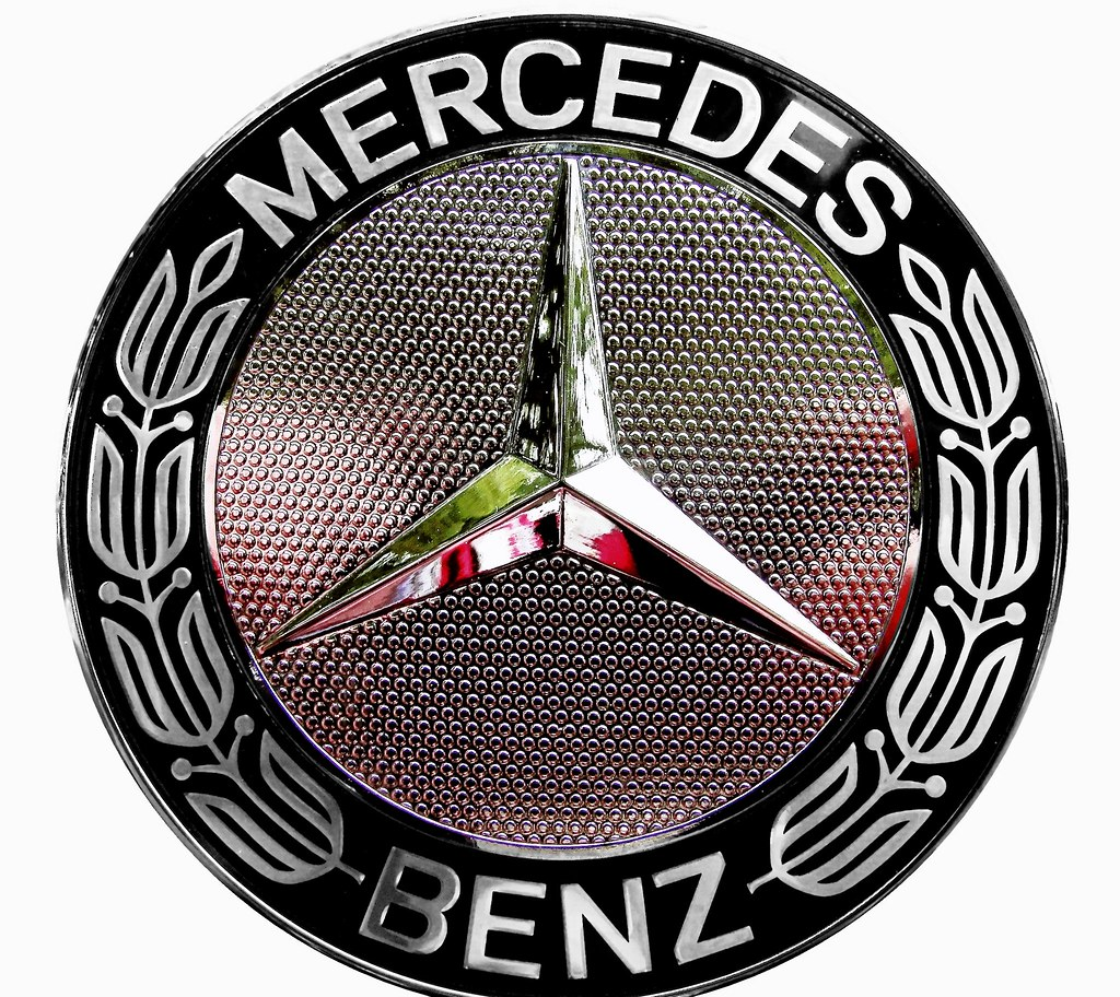 actros mercedes benz emblem mb mercedes benz logo badge flickr. Black Bedroom Furniture Sets. Home Design Ideas