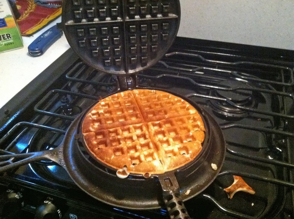 Hand Electric Iron Made In 2000 ~ Waffle on griswold cast iron stovetop image