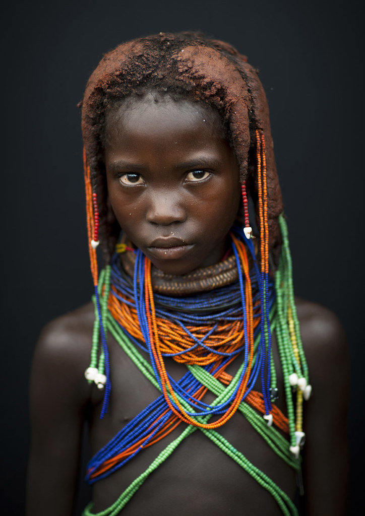 Little teen and tribu african - 2 9