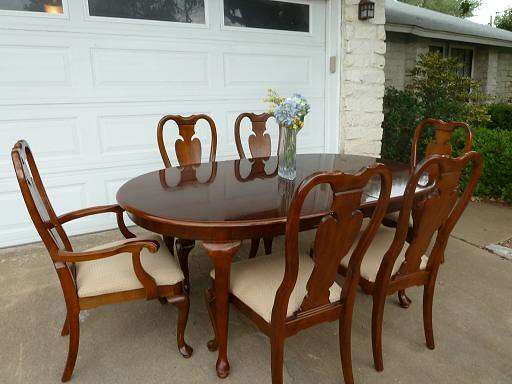 Beautiful Cherrywood Queen Anne Dining Room Set 6 Ch