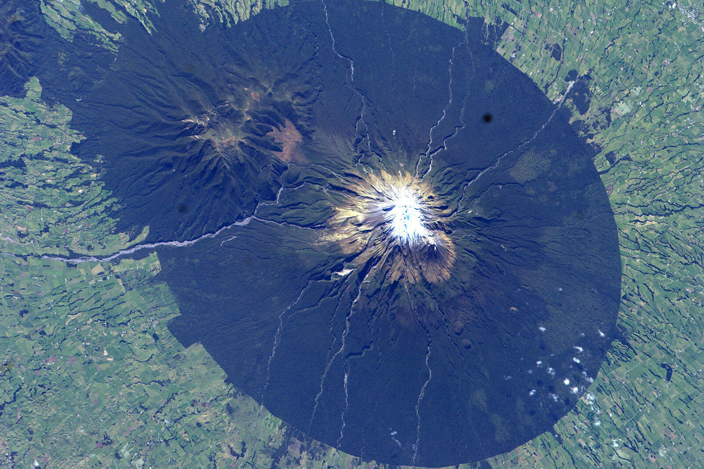 Mount Taranaki New Zealand  city pictures gallery : Mount Taranaki/Mount Egmont, New Zealand | Flickr Photo Sharing!