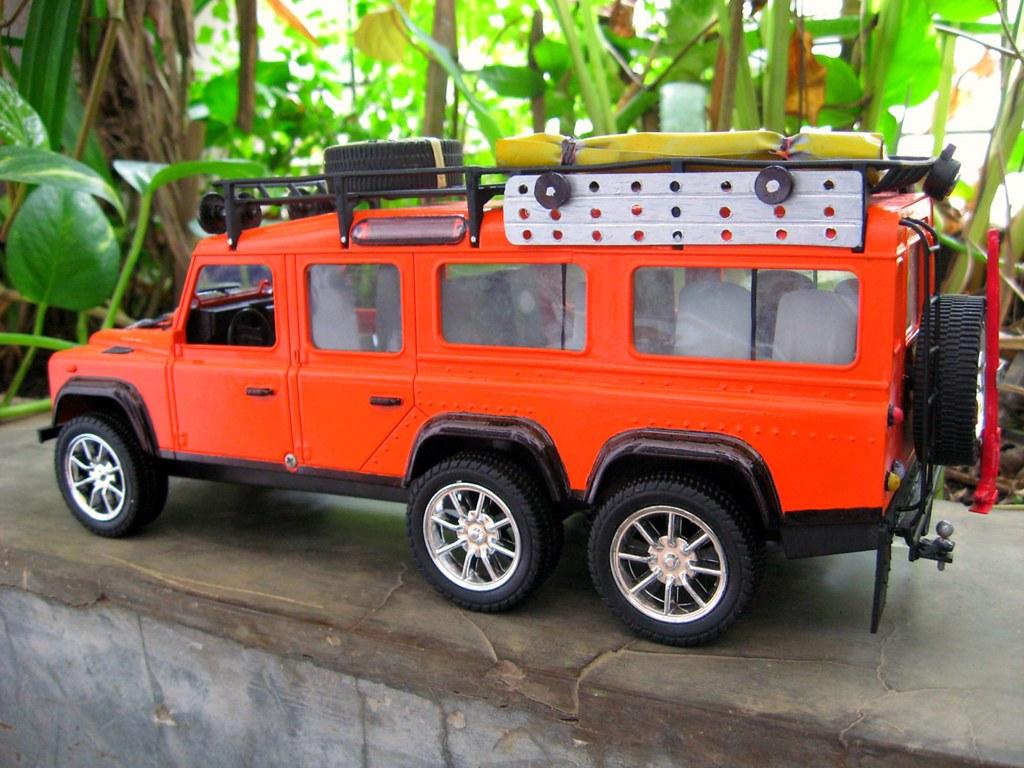 land rover defender 150 6x6 model tampak samping kiri | Flickr