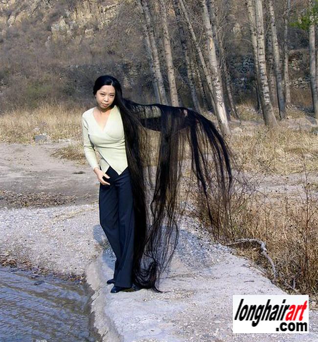 4 long hair Girl long hair lady long ponytail longest hair ...
