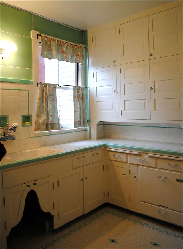 1930s kitchen intact remodel from the antique home style for 1930s kitchen floor