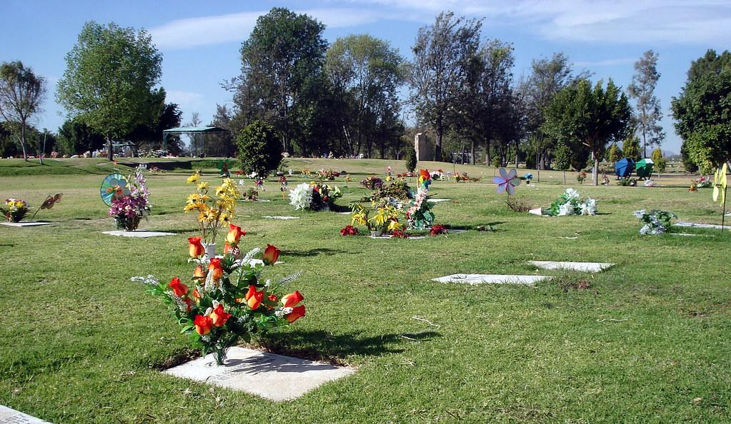 Jard n funeral recinto de la paz 03 rodrigo aguilar for Cementerio jardin de paz