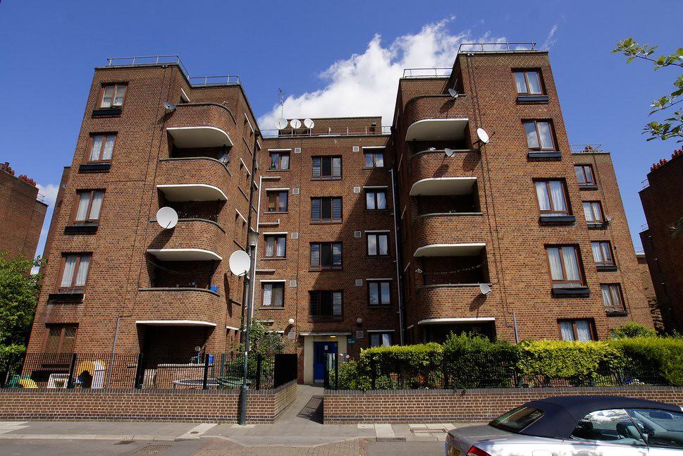 192 216 wrens park house warwick grove hackney london for Grove park house