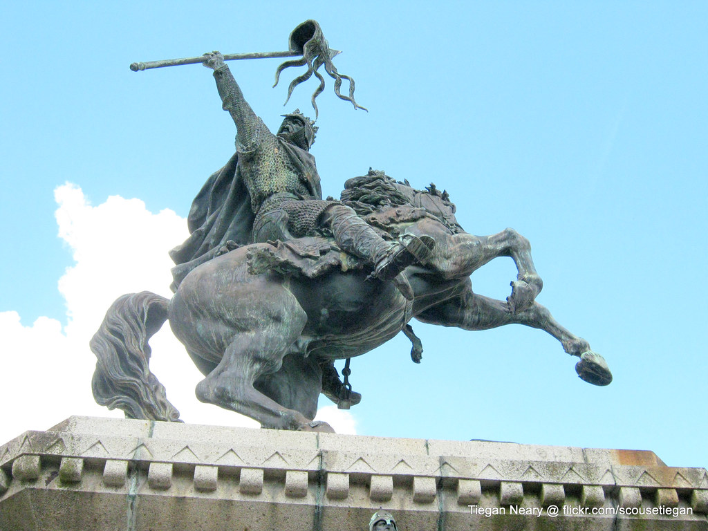 essay statues of william the conqueror Looking for more information on william duke of normandyif so, you have come to the right placeclick here to get the latest information from the official.