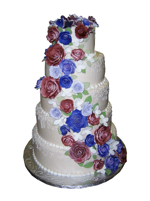 wedding cakes red white and blue white blue wedding cake flickr photo 25360