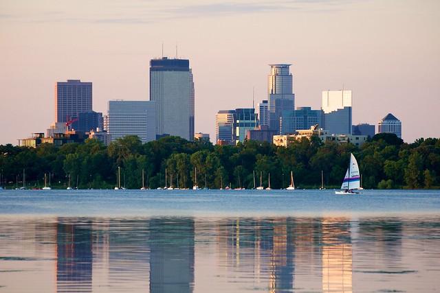 Lake Calhoun And Minneapolis Skyline Flickr Photo Sharing