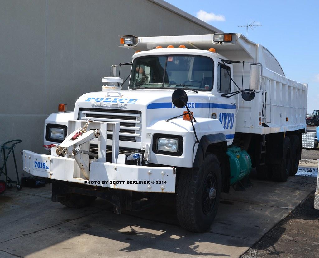 Nypd Dump Truck 7019 Scott Berliner Flickr