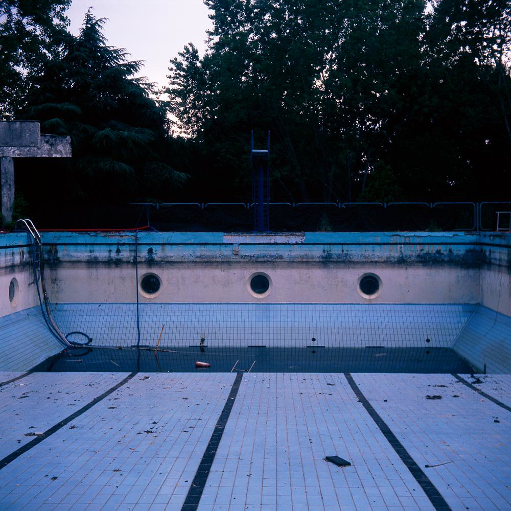 Abandoned swimming pool flickr photo sharing for Empty swimming pool