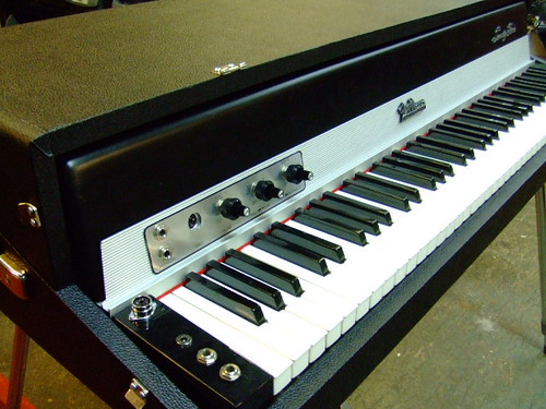 Fender Rhodes Piano Restored with DYNO Lid Mod | by Vintage Vibe Electric Pianos