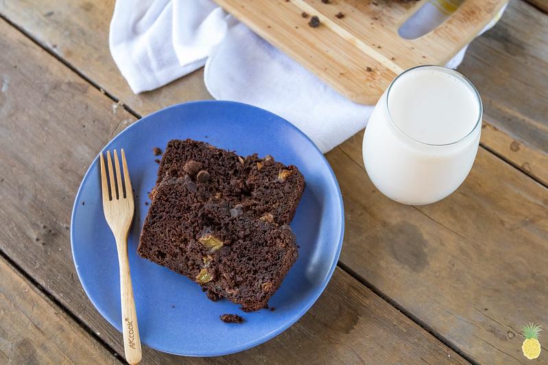 THE BEST VEGAN ZUCCHINI CHOCOLATE CAKE // low-fat & oil-free sweetsimplevegan.com