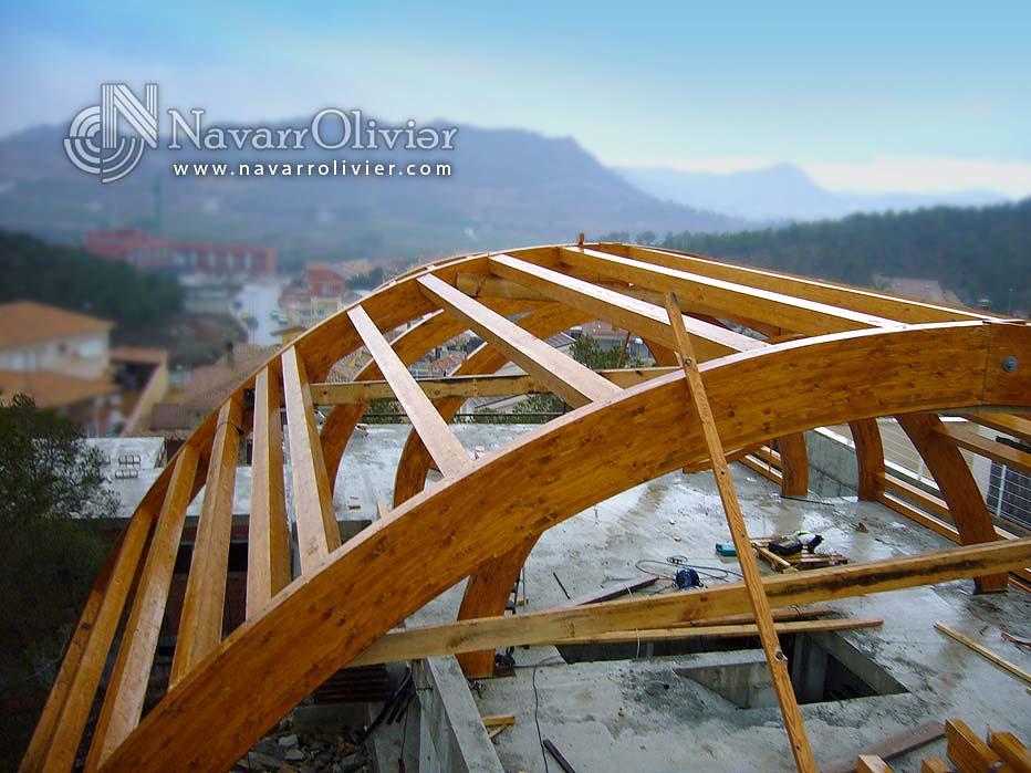 Estructuras de vigas laminadas curvas estructura de - Estructura madera laminada ...