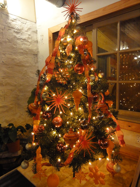 Orange christmas tree flickr photo sharing for Baking oranges for christmas decoration