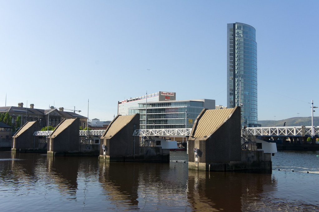 2011 PHOTOGRAPH OF THE EARLIER VERSION OF THE LAGAN WEIR 006