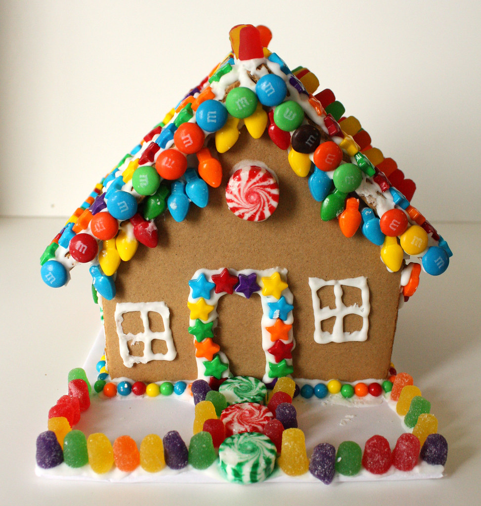 Gingerbread house wendy copley flickr Make your own gingerbread house online