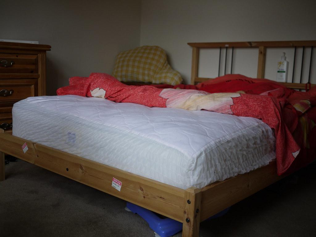 full size ikea bed bed frame slatted bed base has gone 4 flickr. Black Bedroom Furniture Sets. Home Design Ideas