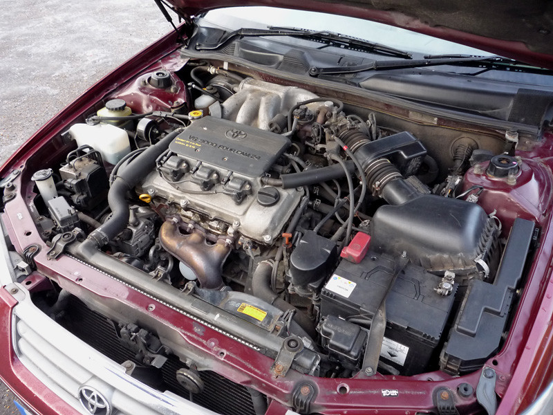 2000 Toyota Camry V6 Engine Bay Rather More Going On In