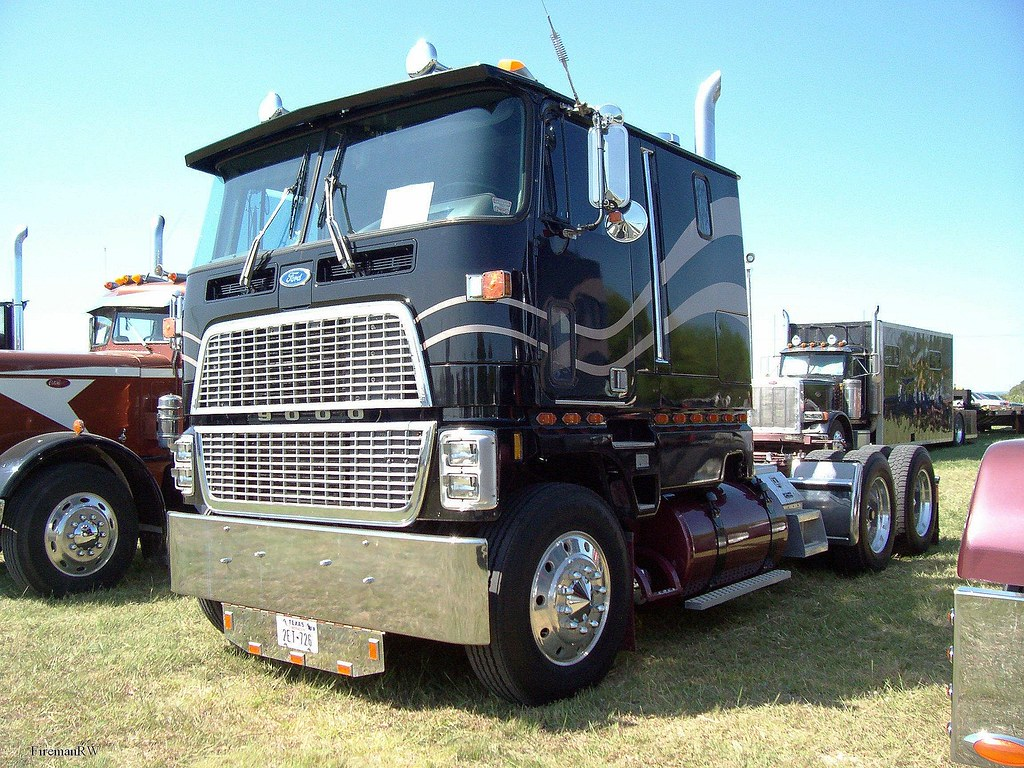 Ford cl 9000 for sale submited images