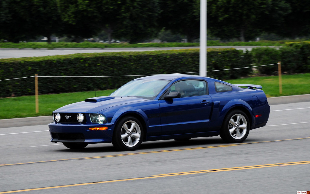 2009 Ford Mustang Gt Cs Coupe Blue In Motion Fvl Flickr