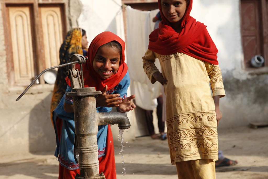 Providing clean water and sanitation | Children in Sindh ...