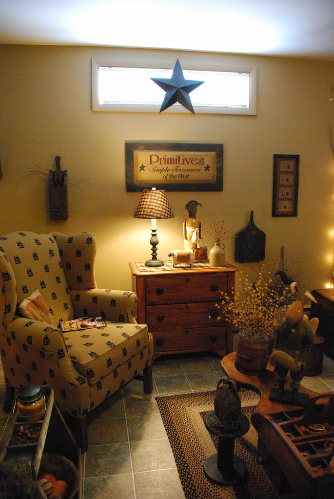 Primitive living room pearl flickr for Living room xmas ideas