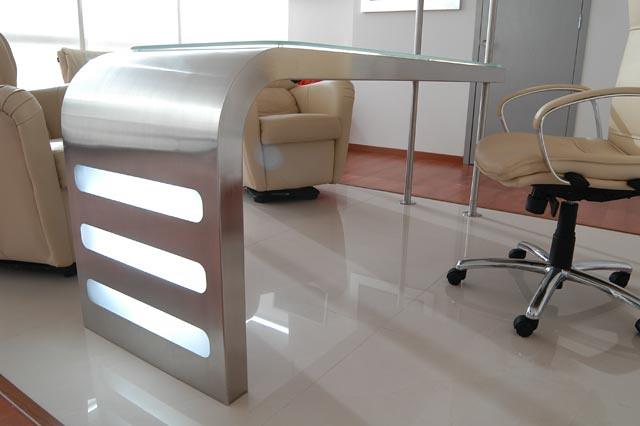 Dise o de mobiliario stainless steel desktop escritorio d for Mobiliario de oficina de diseno
