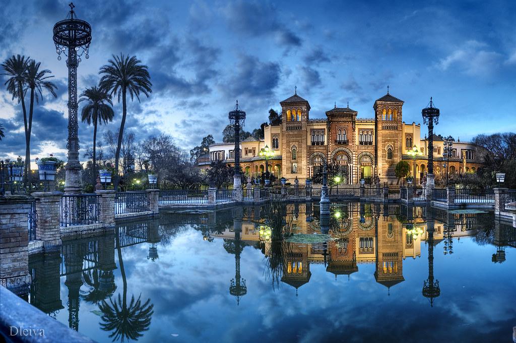 Palacio Mudejar en la Plaza de América del Parque de Maria…  Flickr