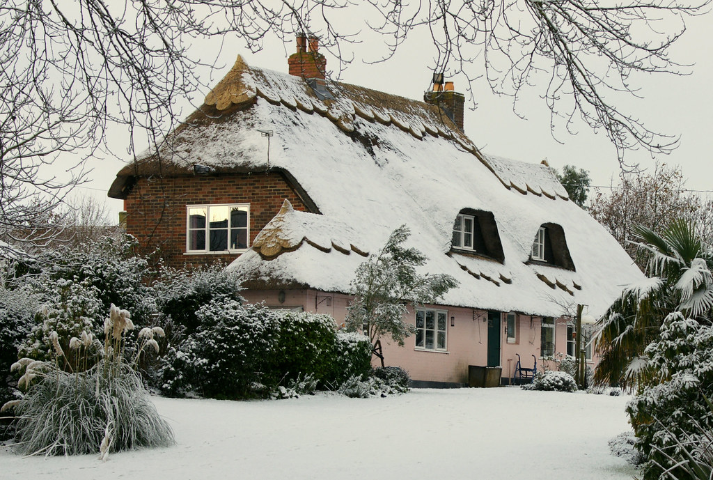Let it snow let it snow let it snow oh the weather for Cottage anglais